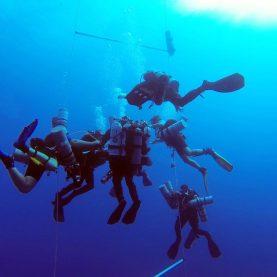 Weltrekord - 332,35m in die Tiefe   Ahmed Gabr - The deepest ever